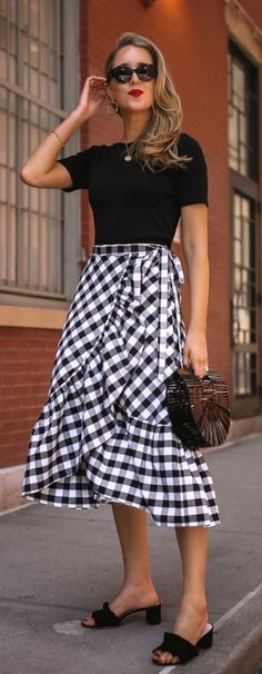 How to Wear Ruffles with @Nordstrom // Navy blue gingham ruffle wrap skirt, simple black t-shirt, black suede ruffle slides, black cult gaia clutch {classic style, fashion blogger, summer oufit, nyc} #Nordstrom @sponsored