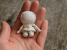 VK is the largest European social network with more than 100 million active users. Waldorf Crafts, Waldorf Dolls, Plushie Patterns, Doll Patterns, Doll Crafts, Diy Doll, Corn Husk Crafts, Rag Doll Tutorial, Fabric Brooch