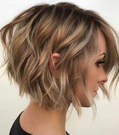 Inverted Bob Hairstyles, Popular Short Hairstyles, Short Layered Haircuts, Haircuts For Fine Hair, Hairstyles Haircuts, Layered Hairstyles, Haircut Short, Latest Hairstyles, Pixie Haircuts