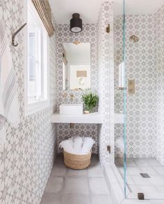 """680 Likes, 17 Comments - Lexi Westergard Design (@lexiwestergard_design) on Instagram: """"Cement tile on every wall, yes please! Love this bathroom by @amandabarnesinteriors Photo:…"""""""