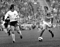 Beckenbauer cruyff alfieri - Category:Germany at the FIFA World Cup - Wikimedia Commons 1974 World Cup, Fifa World Cup, History Of Soccer, Sir Alex Ferguson, Most Popular Sports, Football Players, All Star, Germany, Running