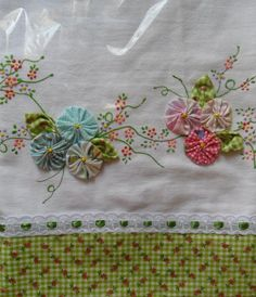 ~ Yo-Yo & Embroidery Boarder ~
