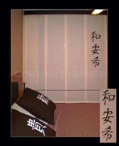 Japonés de 4 vías con galería de Cuero. Paneles de loneta 50/50 Alg/Pol lavado antes de confeccionar. El panel pintado por nosotros con letras japonesas al igual que los cojines y la alfombra.