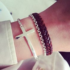 anyone know where i can get this cross bracelet???