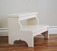 Ana White Build a Easy Vintage Step Stool Free and Easy DIY Project and Furniture Plans Building Furniture, Diy Furniture Plans, Woodworking Furniture, Furniture Projects, Wood Furniture, Woodworking Projects, Woodworking Classes, Woodworking Videos, Woodworking Shop