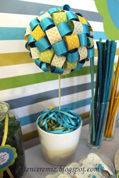 Ribbon Topiary--This would be really cute in black and white with a couple patterned colored ribbons.
