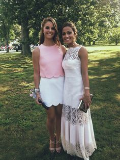 Love the pink scalloped top and white scalloped skirt. Cute Dresses, Cute Outfits, Prom Dresses, Formal Dresses, Pretty Outfits, Fashion Moda, Models, Swagg, Playing Dress Up