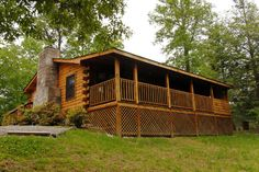 Country Charm - Walden Creek 116 - Log Cabin in Pigeon Forge Tennessee, hot tub,