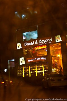 Bread & Beyond (Defence CC), Lahore. (By www.flickr.com/photos/48680051@N04/)