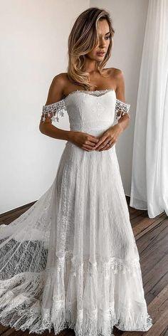 e79261dbde5 27 Bridal Inspiration  Country Style Wedding Dresses