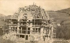 Construction en 1931 de la Villa Bleue à Barcelonnette.