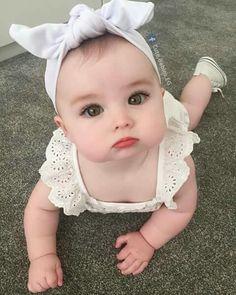 Bom dia com muito fofura Cute Little Baby, Pretty Baby, Little Babies, Baby Kids, Baby Baby, Twin Baby Girls, Baby Newborn, Kids Girls, Beautiful Children