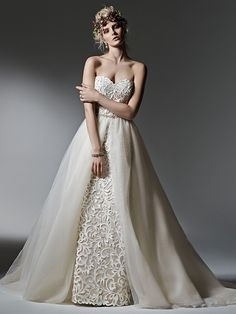 Wedding Dress Photos - Find the perfect wedding dress pictures and wedding gown photos at WeddingWire. Browse through thousands of photos of wedding dresses. Most Beautiful Wedding Dresses, Wedding Dresses Photos, Wedding Dress Trends, Colored Wedding Dresses, Perfect Wedding Dress, Wedding Dress Styles, Wedding Attire, Bridal Dresses, Bridesmaid Dresses