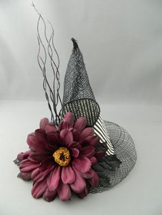 Mini Witch Hat - fascinator, hair clip, Halloween hat, photo prop, costume accessory