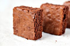 Delicious Brownies from Zoom Yummy! Recipe with step-by-step photos! How To Make Brownies, Best Brownies, No Bake Brownies, Making Brownies, Yummy Treats, Sweet Treats, Yummy Food, Yummy Yummy, Brownie Recipes