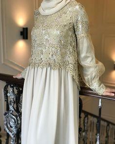 Роскошное платья из шифона,органзы и кружево Elie Saab уже ждёт вас в нашем магазине🌼⭐️💛👍🏻цена12500