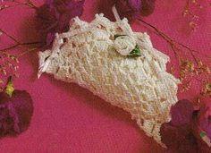 Free Crochet Wedding Sachet pattern