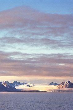 Golden hour • Barentsburg, Spitsbergen