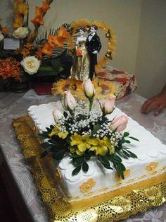 Torta Bodas de oro en finos detalles.