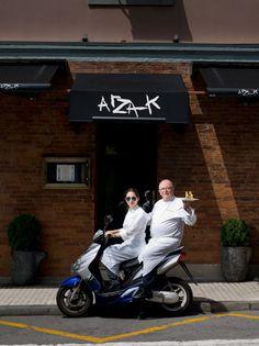 In San Sebastian. Arzak, uno de los más importantes cocineros del mundo. En 1976 le concedieron su 3º estrella Michelín---RESTAURANTES en San Sebastián  con estrellas Michelín: Akelarre *** Arzak *** Martín Berasategui *** Mugaritz **
