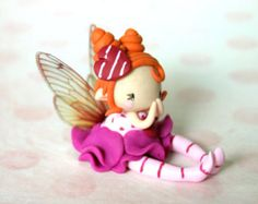 Fairy Figurine on a Swing von TheDollAndThePea auf Etsy