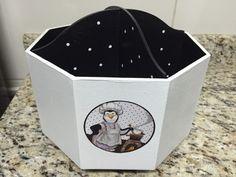 Porta talher pinguim    Material: MDF  Cor: preto e branco  Figura: Pinguins