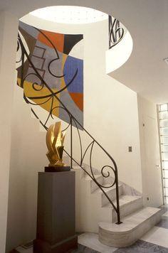 The Frelinghuysen Morris House & Studio: Historic mid century homes to visit - Retro Renovation Marble Staircase, Take The Stairs, Retro Renovation, Stair Railing, Railing Ideas, House Stairs, Home Room Design, Home Studio, Mid Century House