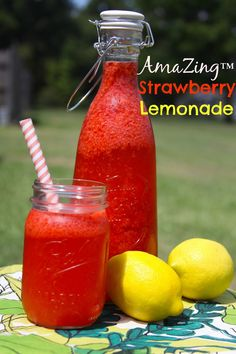 AmaZing™ Strawberry Lemonade -homemade and low calorie using @ZingStevia instead of sugar!