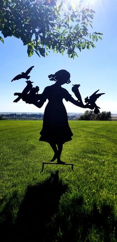 Gloria with Birds Vintage Large Metal Silhouette for the Garden or Yard Art/ Shadow Art for Garden Walls Metal Yard Art, Metal Art, Front Flower Beds, Hummingbird Garden, Garden Park, Shadow Art, Short Hair With Layers, Humming Bird Feeders, Outdoor Life