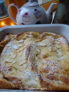 Pain Perdu au four - Voici la version au four. Sweet Breakfast, Breakfast Dishes, French Toast Waffles, Classic French Dishes, Desserts With Biscuits, Bread And Butter Pudding, Gourmet Desserts, Desert Recipes, Light Recipes
