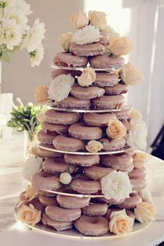 Doughnut cake tower - 10 of the best unusual wedding cake tower ideas (Donut Wedding Cake) Krispy Kreme Wedding Cake, Doughnut Wedding Cake, Vegan Wedding Cake, Wedding Donuts, Doughnut Cake, Krispy Kreme Donut Cake, Alternative Wedding Cakes, Unusual Wedding Cakes, Wedding Cake Alternatives
