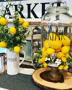 Beautiful modern summer house decoration ideas in farmhouse style 39 A vey important design of Country Farmhouse Decor, Modern Farmhouse Kitchens, Modern Farmhouse Style, Lemon Kitchen Decor, Home Decor Kitchen, Kitchen Ideas, Yellow Kitchen Decor, Decorating Kitchen, Diy Kitchen