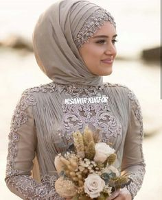 İnstagram : nsnur Hijab Wedding Dresses, Modest Dresses, Hijab Bride, Hijab Dress, Hijab Outfit, Muslim Couples, Tarzan, Wedding Couples, Hijab Fashion