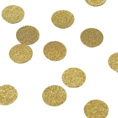 Add some sparkle to your wedding day with our Gold Glitter Table Confetti. Lovely discs to add a touch of class to your wedding tables.Gold Glitter Table Confetti - Scatter this stunning gold sparkle table confetti on wedding tables or at any special cele Paper Confetti, Glitter Confetti, Table Confetti, Paper Party Decorations, Wedding Venue Decorations, Wedding Props, Glitter Wedding, Wedding Confetti, Gold Table