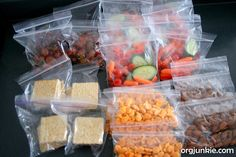 For all you young moms.How do you prepare your family for the week? Heres how to make your week a super organized one. School Planning Sunday : Im an Organizing Junkie Lunch Snacks, Healthy Snacks, Healthy Recipes, Lunch Box, Kid Snacks, Healthy Fit, Snack Bags, Lunch Time, Fall Recipes