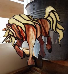 Caballo de suncatcher vidrieras unicornio en color marrón y