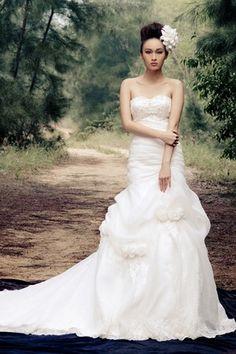 White Beading Long Rectangle Winter Misses Sweetheart Lace Glamorous & Dramatic Wedding Dress - 1