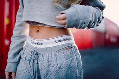 fashion, Calvin Klein, and body afbeelding Sexy Jeans, Ripped Jeans, Calvin Klein Outfits, Calvin Klein Jeans, Lenceria Calvin Klein, Ropa Interior Calvin, Calvin Klien, Girl Outfits, Cute Outfits