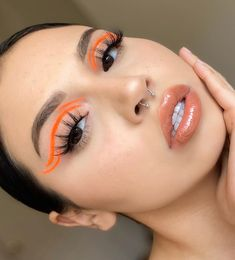When refering to colored eyeliner, many people think it is exaggerated and not suitable for daily life. In fact, most of the reasons are that you don't know muc Makeup Eye Looks, Eye Makeup Art, Cute Makeup, Pretty Makeup, Skin Makeup, Eyeshadow Makeup, Brown Eyeshadow, Eyeliner Make-up, Eyeliner Ideas