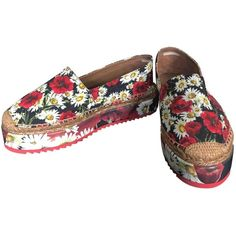 Pre-owned Dolce & Gabbana Cloth Flats ($267) ❤ liked on Polyvore featuring shoes, flats, other, women shoes flats, dolce gabbana flats, floral shoes, espadrilles shoes, espadrille flats and platform flats