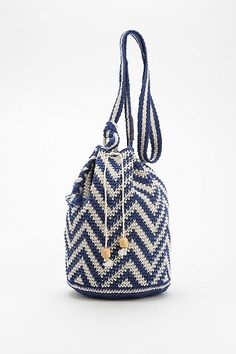 crocheted bucket bag. perfect for the beach