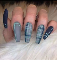 blue-green nails checkered- # Matte nails blue-green-checkered-nails – blue-green-checkered nails blue green checkered nails – # Blue green plaid nails Best Picture For make up green For Your … Plaid Nail Art, Plaid Nails, Sweater Nails, Fall Nail Art Designs, Acrylic Nail Designs, Plaid Nail Designs, Green Nail Designs, Nail Swag, Best Acrylic Nails