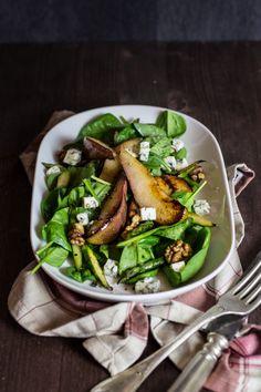 Fällt ins Gewicht: Spinatsalat mit warmen Birnen | The Stepford Husband