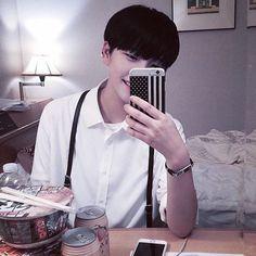 korean, boy, and ulzzang resmi Cute Asian Guys, Cute Korean Boys, Asian Boys, Beautiful Boys, Pretty Boys, Cute Boys, I Hate Boys, Guys And Girls, Korean Boys Ulzzang