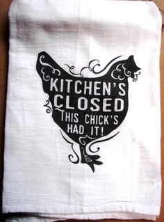 We love old flour sack tea towels. Ours are and lint free, preshrunk cotton. Wrap one around a bottle of wine as a great gift for a friend! Vinyl Crafts, Vinyl Projects, Dish Towels, Hand Towels, Diy Tea Towels, Dish Towel Crafts, Inkscape Tutorials, Kitchen Humor, Funny Kitchen