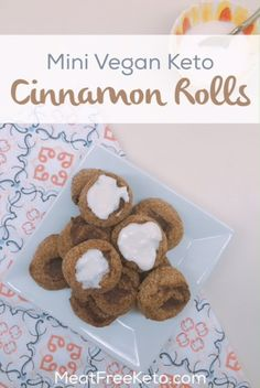 Low carb vegan cinnamon rolls that are a perfect keto breakfast treat! The recipe is grain free, gluten free, nut free, sugar free, dairy free and egg free! Veggie Recipes Healthy, Vegan Keto Recipes, Vegan Gluten Free, Dairy Free, Veggie Keto, Ketogenic Desserts, Keto Snacks, Vegan Desserts, Ketogenic Diet