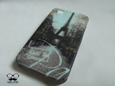 Vintage Paris Eiffel Tower Phone Case.  This case design is made for  iPhone 4,4s iPhone 5