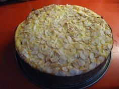 Das perfekte Nuss – Pudding Kuchen-Rezept mit Bild und einfacher Schritt-für-Sc… The perfect nut – pudding cake recipe with picture and simple step-by-step instructions: For the dough add butter, vanilla sugar and sugar in one … Pudding Desserts, Pudding Cake, Fun Desserts, Baking Recipes, Cake Recipes, Dessert Recipes, Cake Recipe Using Buttermilk, Herb Bread, Food Cakes
