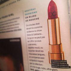 Rouge à lèvres Dolce & Gabbana vu dans Stylist. #rougealevres #lipstick #cosmetique #cosmetic #dior #mode #shopping #fashion #stylist #presse #magazine #dolcegabbana #selectionnist