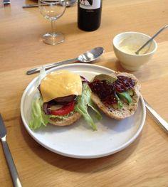 Kipburger Met Avocado,bacon En Cheddar recept   Smulweb.nl